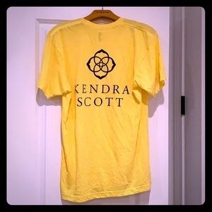 💫 Yellow Kendra scott t-shirt with logo! 🌟